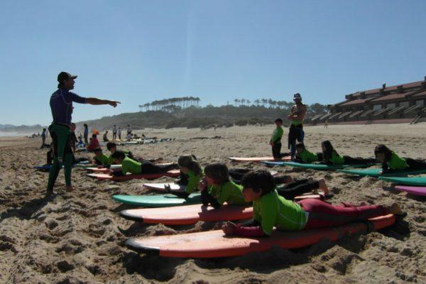 El Surf genera 3,3 millones de euros en Ribamontán al Mar y da empleo a 100 personas